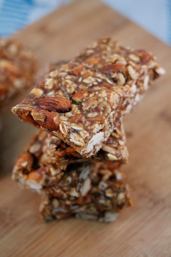 No-Bake Granola Bars | Hugs 'n Kitchen